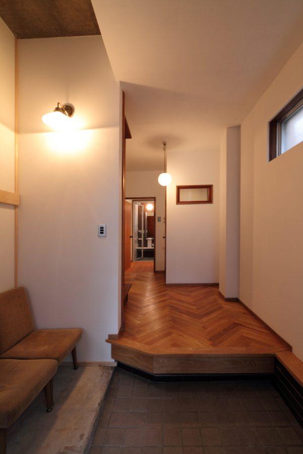 アンティーク家具が似合うリノベーション9