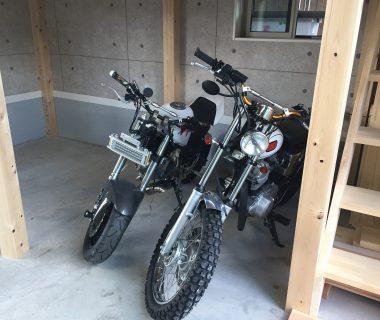 車庫にロフトを造りました