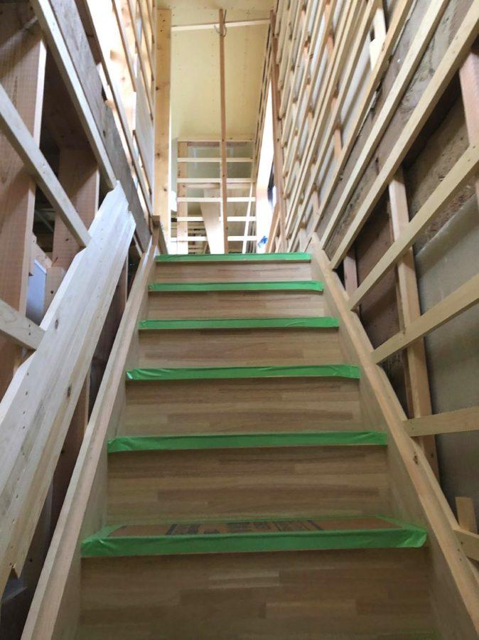 【高梁市リノベ】階段がつきました2