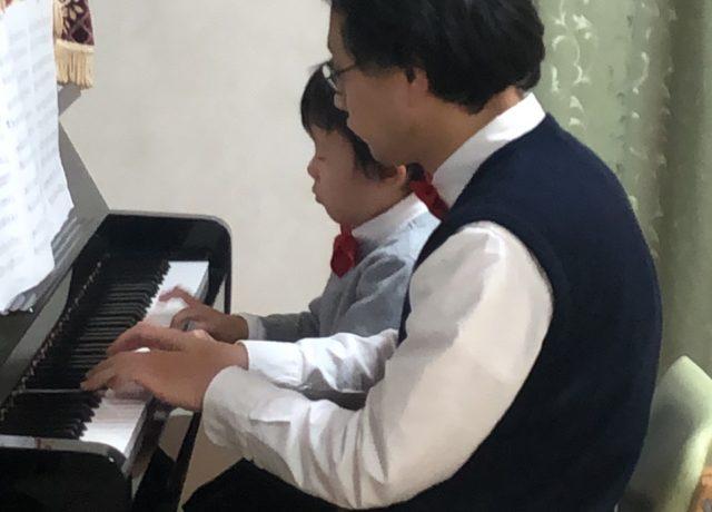 老人ホームでピアノを弾きました
